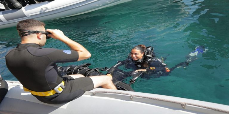 Start your PADI Divemaster Internship at Sea Spirit